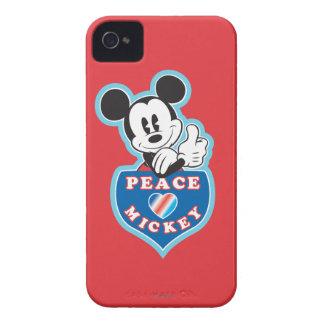 Amor de la paz de Mickey el   del día de fiesta iPhone 4 Fundas