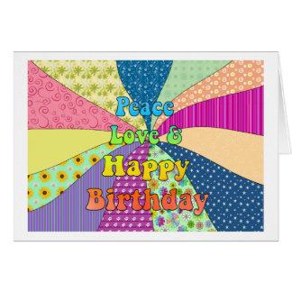 Amor de la paz y feliz cumpleaños tarjeta de felicitación
