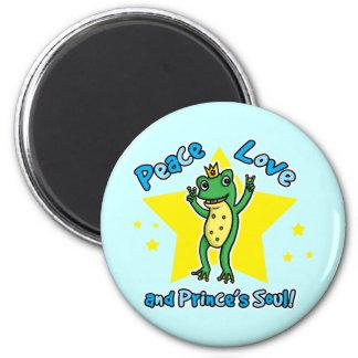 Amor de la paz y príncipe de la rana del alma de l imán redondo 5 cm