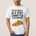 Amor de la pizza de salchichones - una relación polera