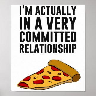 Amor de la pizza de salchichones - una relación póster