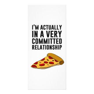 Amor de la pizza de salchichones - una relación se diseños de tarjetas publicitarias