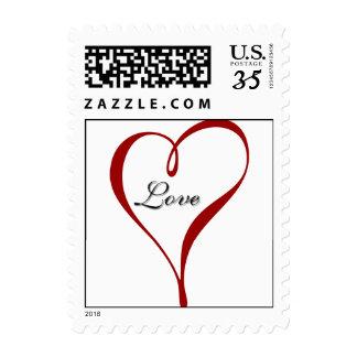 Amor de la postal dentro del diseño del corazón envio