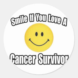 Amor de la sonrisa… un superviviente del cáncer pegatina redonda