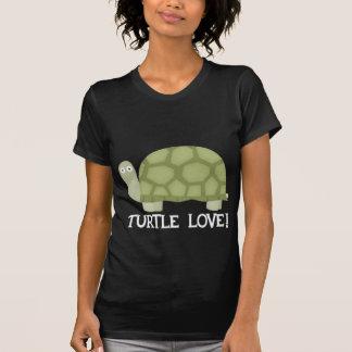 Amor de la tortuga camisetas