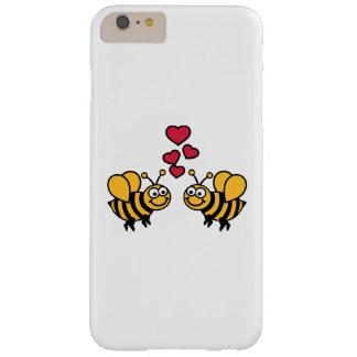 Amor de los corazones de las abejas funda de iPhone 6 plus barely there