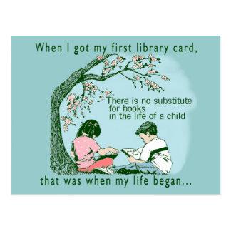 Amor de los niños a leer postal