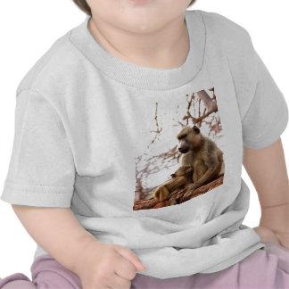 amor de madre del mono y alegría camiseta