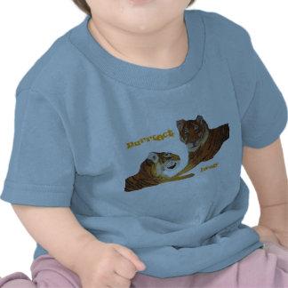 Amor de Purrfect de los tigres Camiseta