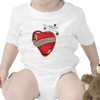 Amor de reparación de los corazones quebrados del  traje de bebé