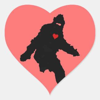 Amor de Sasquatch Pegatinas Corazon