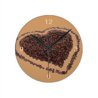 Amor del café reloj redondo mediano
