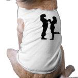 Amor del chica ropa de perro
