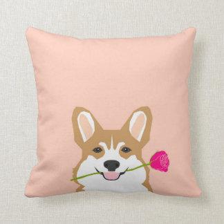 Amor del Corgi con color de rosa rosado para el Cojín Decorativo