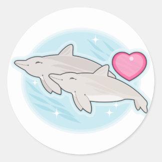 amor del delfín pegatina redonda