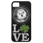 Amor del día del St Patricks con el trébol y la fo iPhone 5 Case-Mate Carcasas