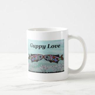 Amor del Guppy Taza Clásica
