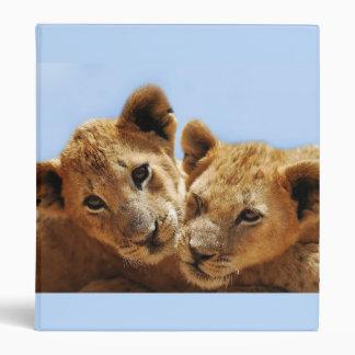 Amor del león del bebé