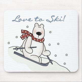 Amor del oso polar a esquiar camisetas y regalos tapete de raton