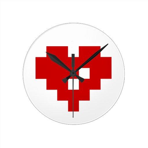 Amor del pedazo del corazón 8 del pixel reloj redondo mediano