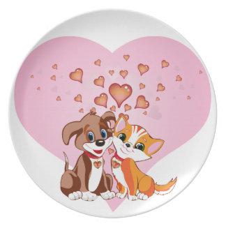 Amor del perrito y del gatito plato