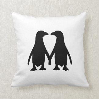 Amor del pingüino almohadas