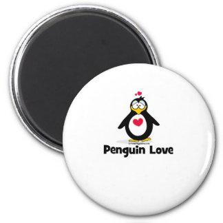 Amor del pingüino imán redondo 5 cm