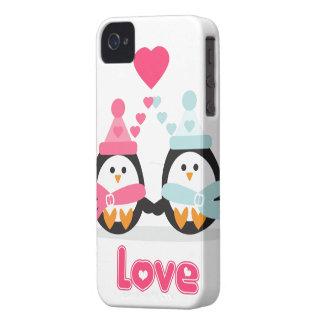 Amor del pingüino iPhone 4 cárcasa