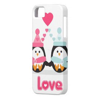 Amor del pingüino iPhone 5 carcasa