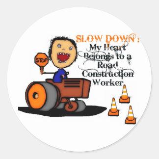 Amor del trabajador de construcción de carreteras pegatina redonda