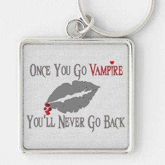 Amor del vampiro llavero cuadrado plateado