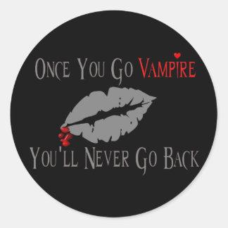 Amor del vampiro pegatina redonda