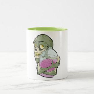 Amor del zombi taza de dos tonos