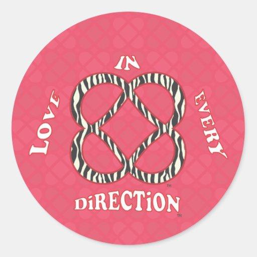¡Amor en cada dirección! Pegatina Redonda
