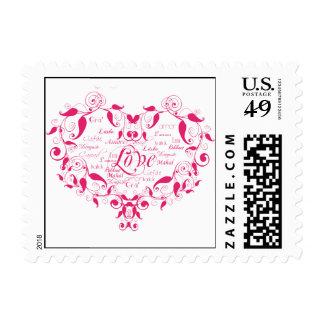 Amor en cualquier lengua en franqueo de las rosas sellos postales
