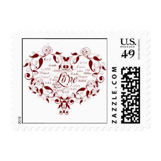 Amor en cualquier lengua en franqueo rojo sellos postales