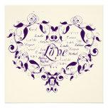 Amor en cualquier lengua en la invitación púrpura