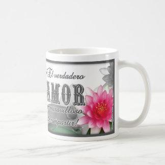 Amor en Flor de loto Taza Básica Blanca