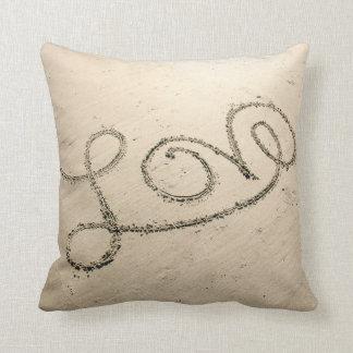 Amor en la almohada de la arena cojín decorativo