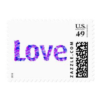 Amor en los corazones brillantes y el   vivo sello