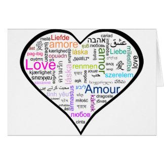 Amor en todo el corazón de las idiomas felicitación