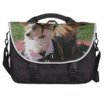 Amor internacional de los perros lindos vestidos t bolsa de ordenador