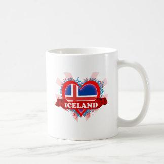 Amor Islandia del vintage I Taza Básica Blanca