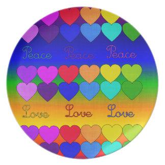Amor, paz, arco iris plato de cena