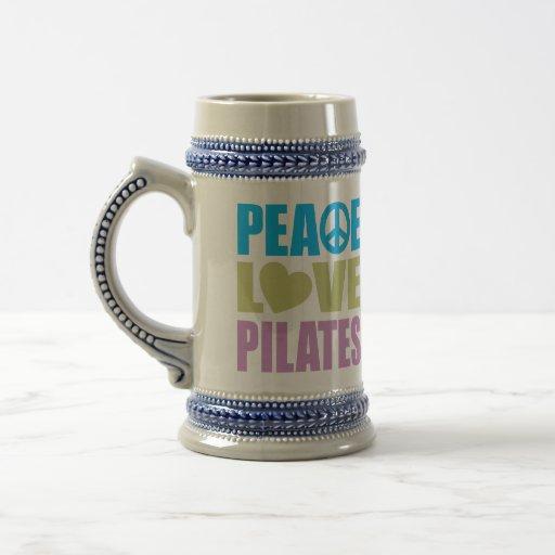 Amor Pilates de la paz Jarra De Cerveza
