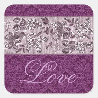 Amor púrpura del damasco y de las flores pegatina cuadrada