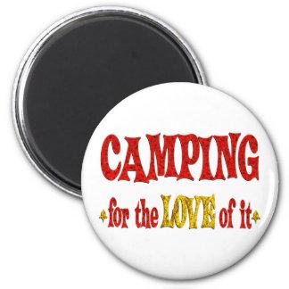 Amor que acampa iman