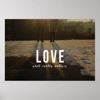 Amor - qué importa realmente póster