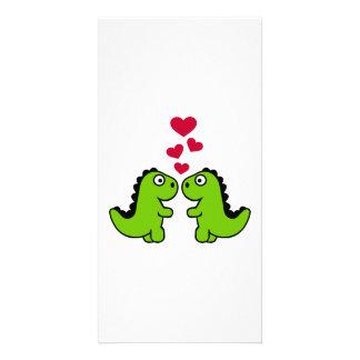Amor rojo de los corazones del dinosaurio tarjetas fotograficas personalizadas