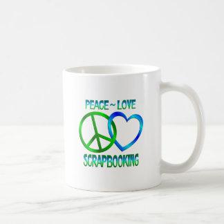Amor SCRAPBOOKING de la paz Taza Básica Blanca